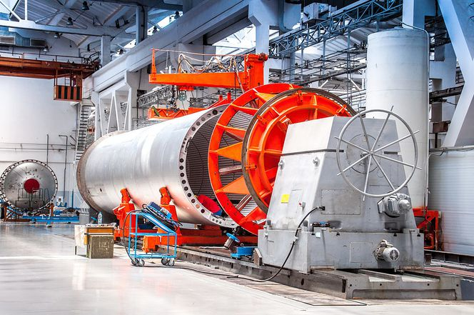 1200px-Производство_ракет-носителей__Ангара_.jpg