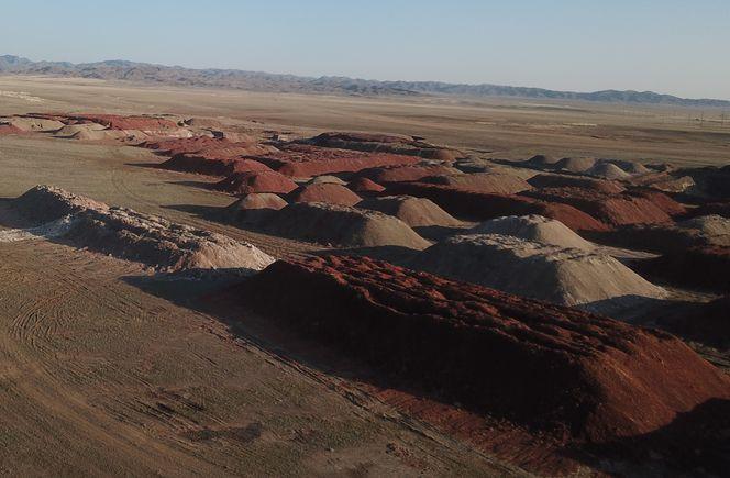 Склады бентонитовой глины месторождения Таганское.jpg
