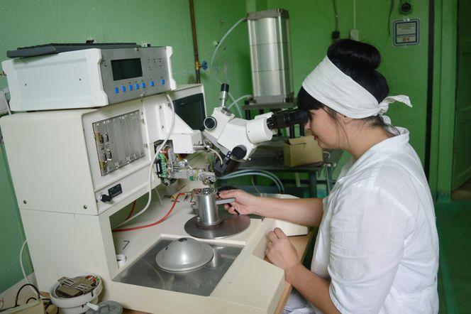 Установка для микросварки нихромовой проволоки толщиной 10 микрон.JPG