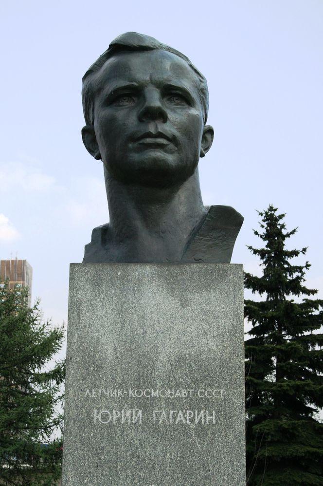 bust-179669.jpg