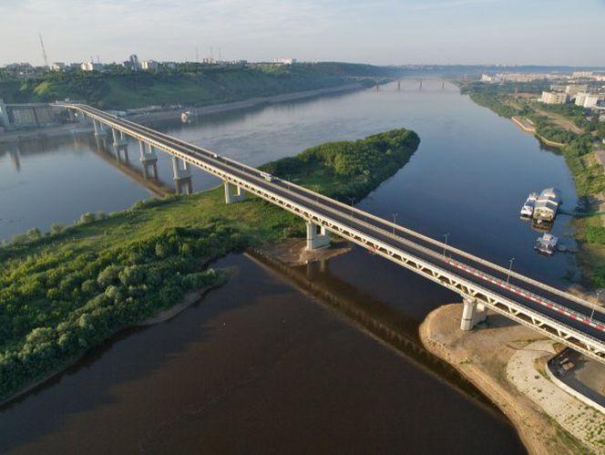 Мост-метро в Нижнем Новгороде, где на эстакаде  метропроезда использованы ДШС-жд-60 и  опорные части