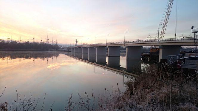 Мост через реку Сейм на автодороге к Курской  АЭС-2 – опорные части и деформационные швы