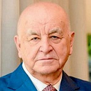 Александр Апазов